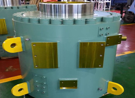 Cylinder for steel-manufacturing equipment